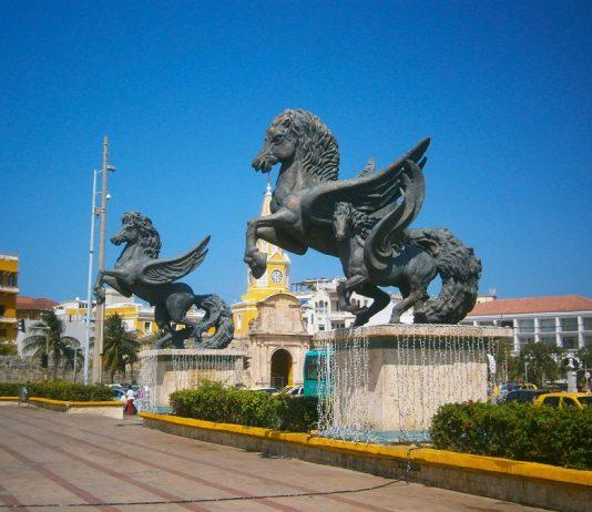 Muelle-de-los-Pegasos-Cartagena-de-indias.