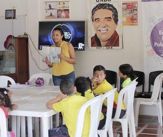 Club de lectura de la biblioteca pablo neruda de Cartagena