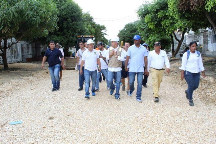 El alcalde Pedrito pereira caballero inspecciono obras en barrio paraguay