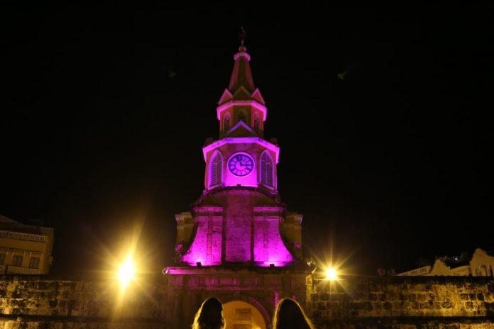 Torre del reloj de Cartagena modo rosa