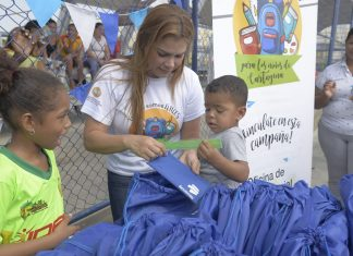 Eliana Bustillo Villarreal kits escolares