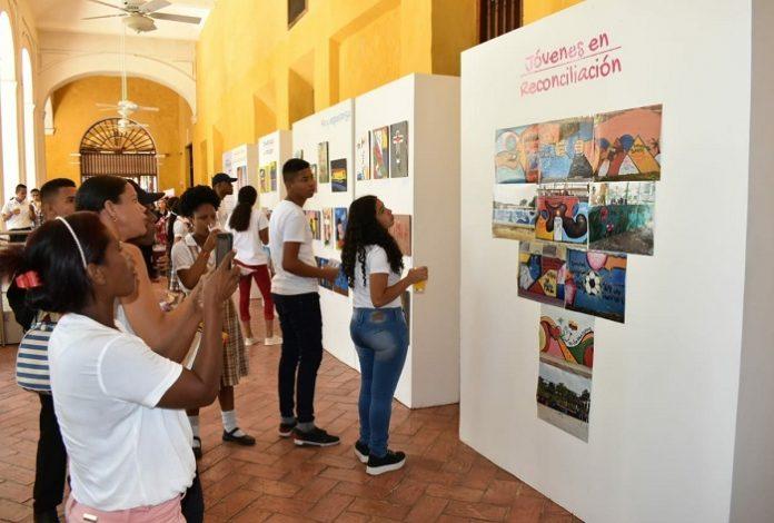 Jovenes en riesgo reconocidos por su creatividad